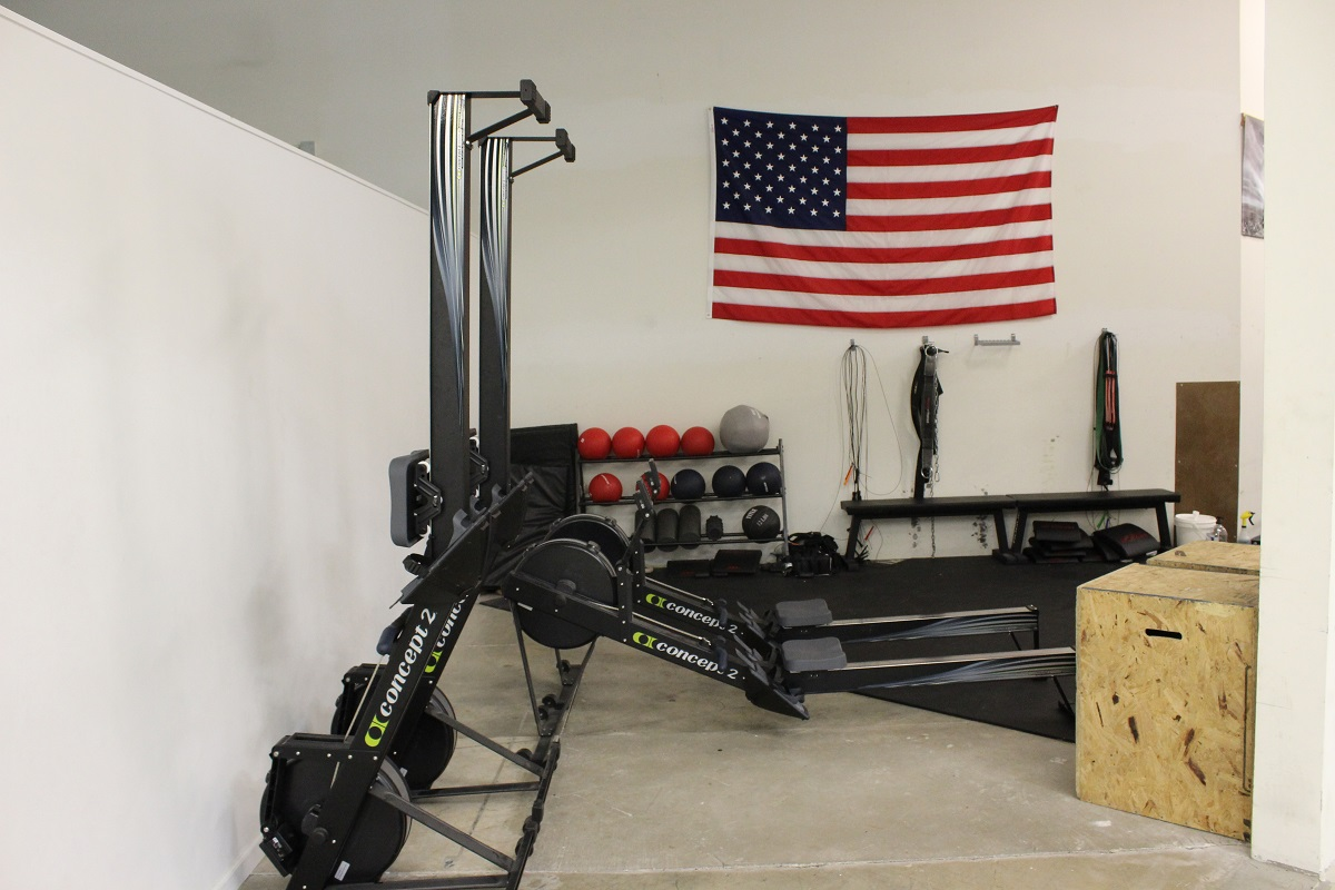 08-CrossFit-Room-Row-Machines